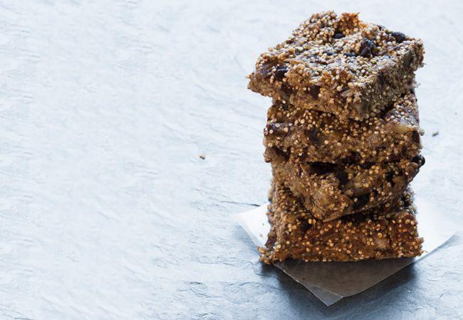 Blåbär choc chip quinoa rutor