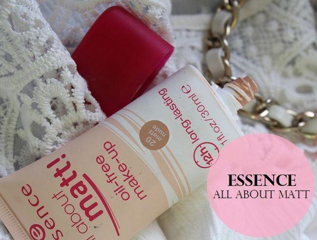 Essence handlar om matt oljefri make up foundation: Review, provkartor