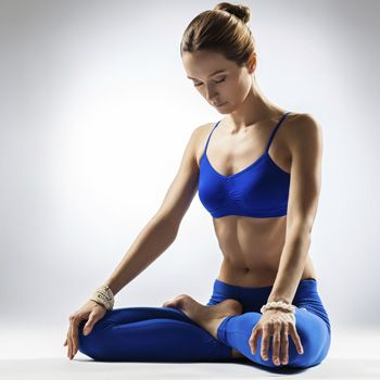 Hur yoga håller kroppen ung