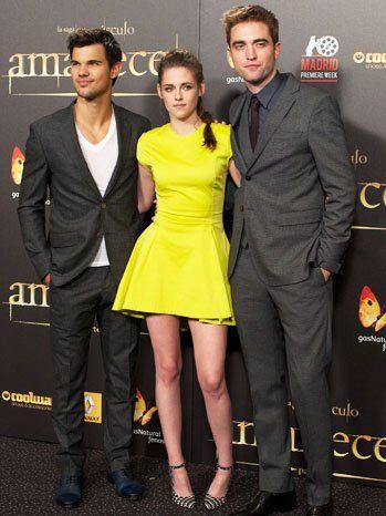 Kristen stewart på Breaking Dawn 2 premiär, Madrid: klänning, makeup dilemma