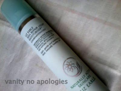 Liz earle hud reparation fuktkräm ljus - för kombination / fet hy